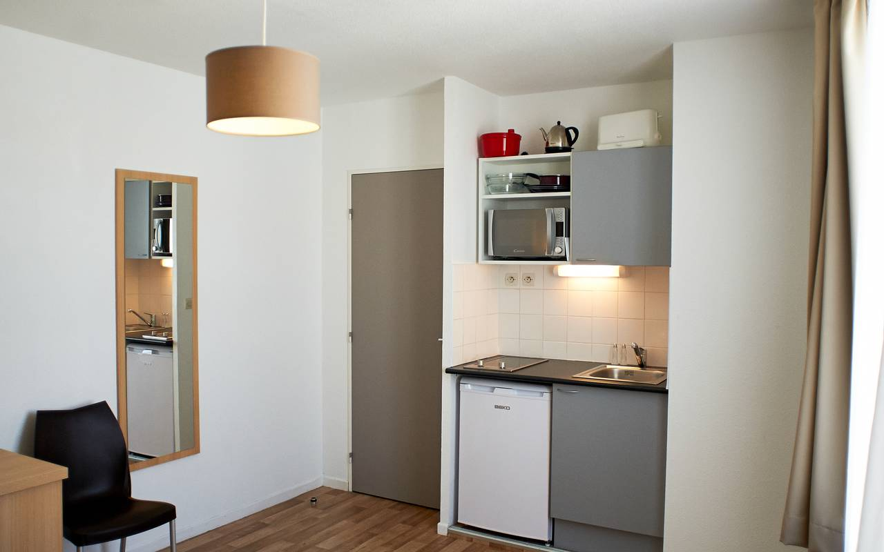 residence suiteasy avignon republique studio kitchenette 2