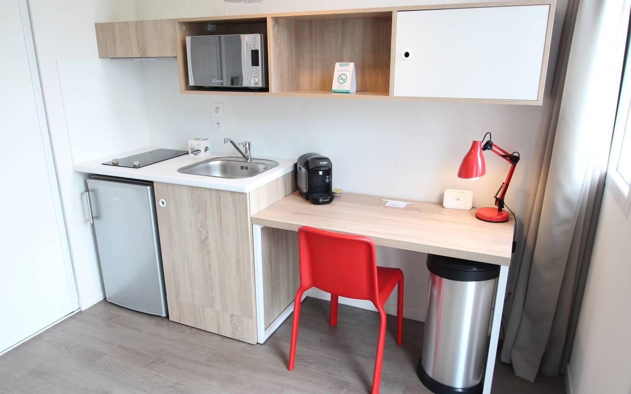 residence suiteasy h2o la rochelle studio economique kitchenette