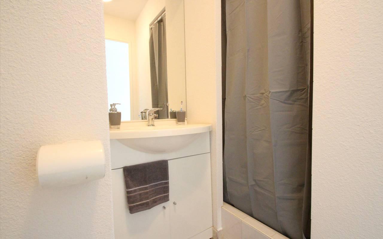 residence suiteasy les arenes d orsay limoges studio salle de douche 2