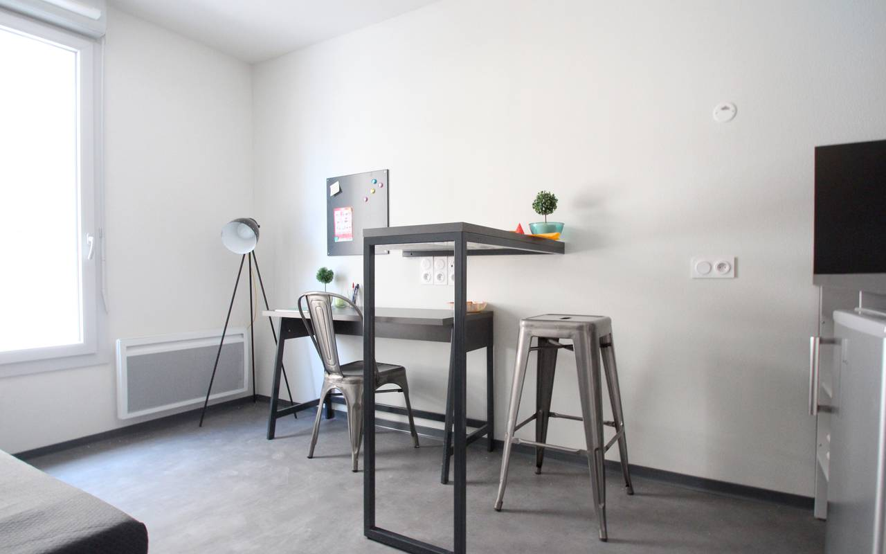 residence suiteasy le 124 marseille studio economique bureau