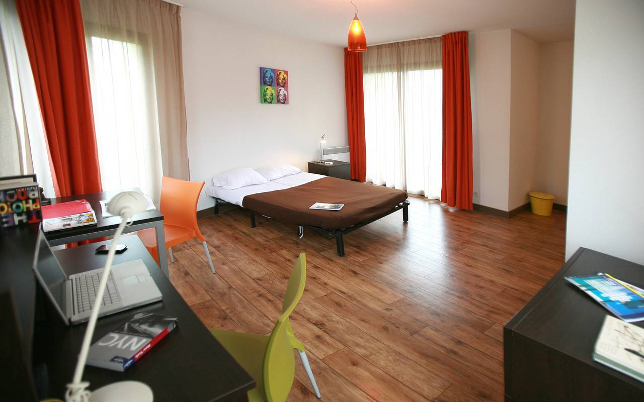 residence suiteasy nevers studio coin nuit