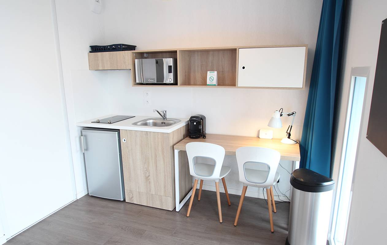 residence suiteasy h2o la rochelle appartement 2 personnes kitchenette