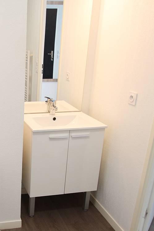 residence suiteasy h2o la rochelle studio economique salle d eau