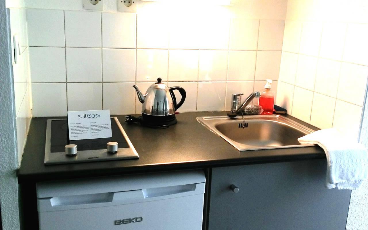 studio avec kitchenette location court séjour à Avignon