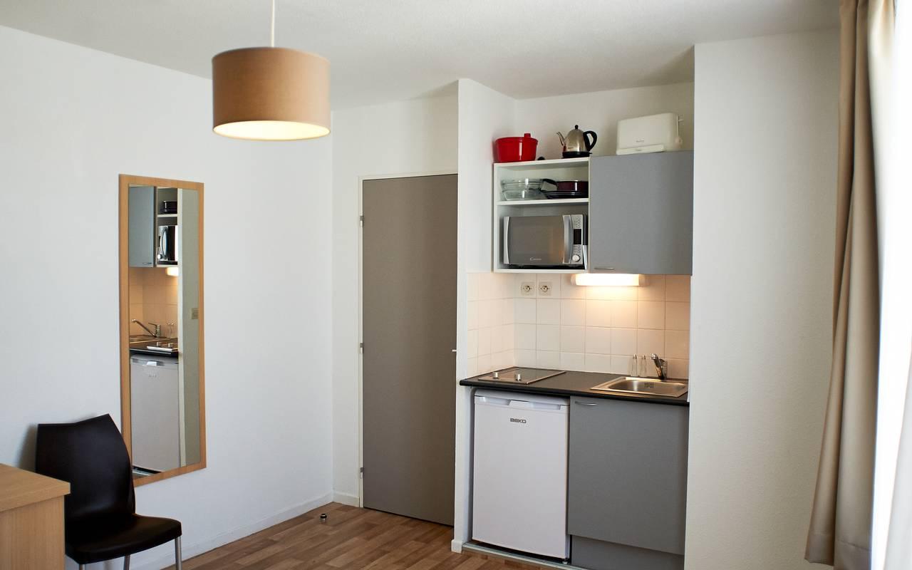 studio avec kitchenette location moyen séjour à Avignon