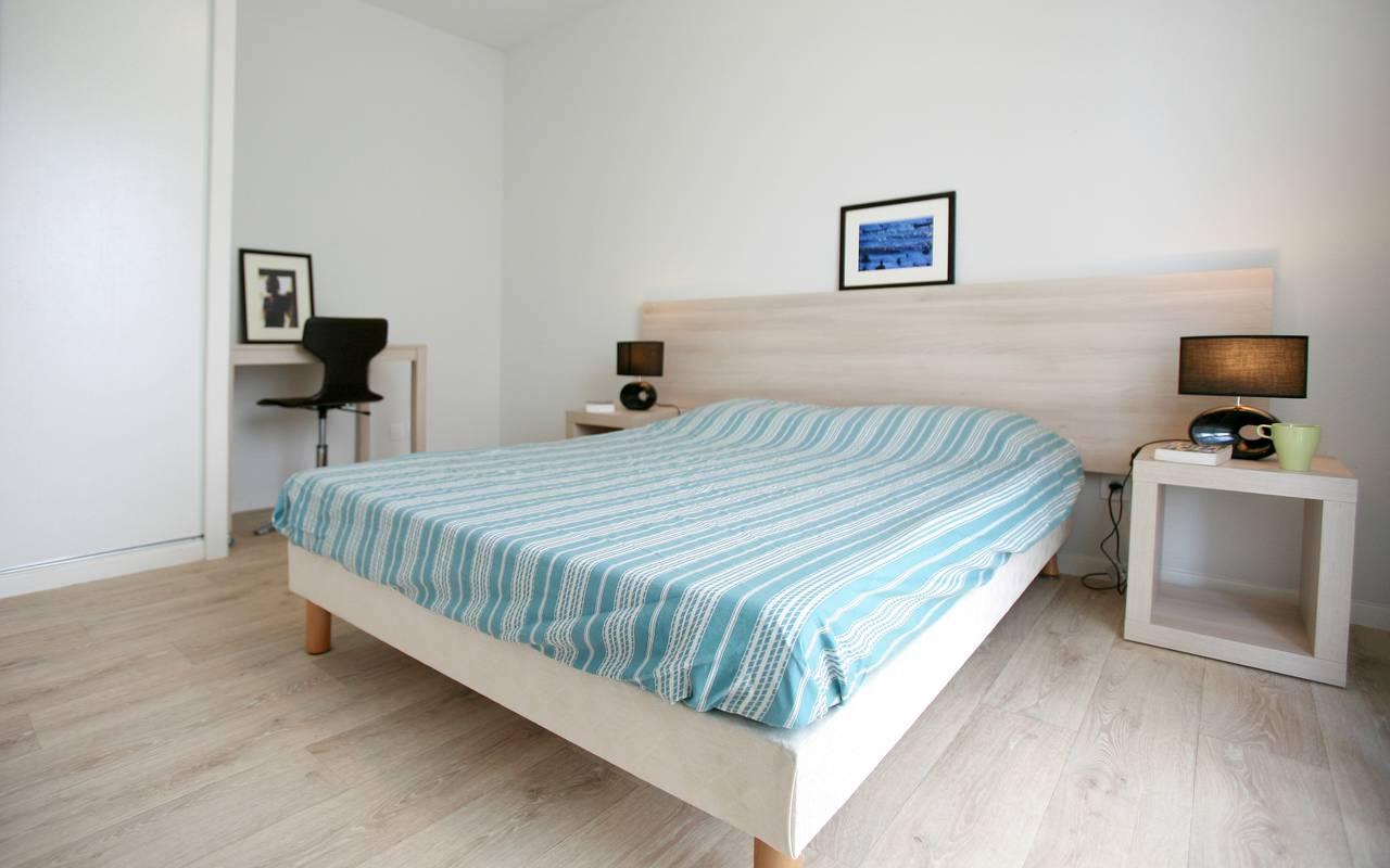 chambre appartement location saisonnière à Valenciennes