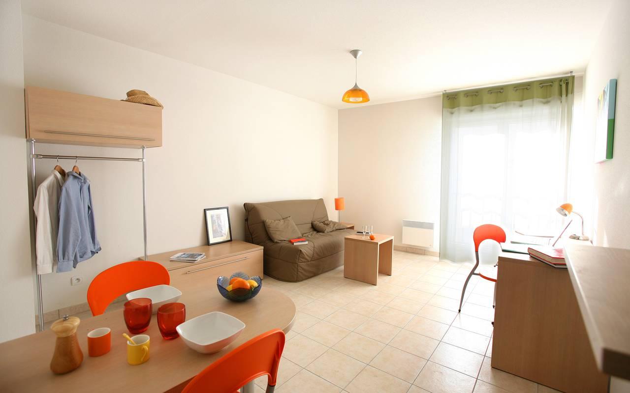 studio avec coin repas location saisonnière à Béziers