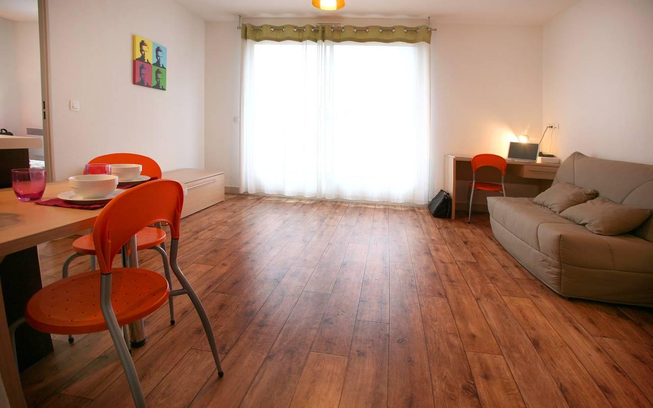 pièce à vivre appartement location saisonnière à Montpellier