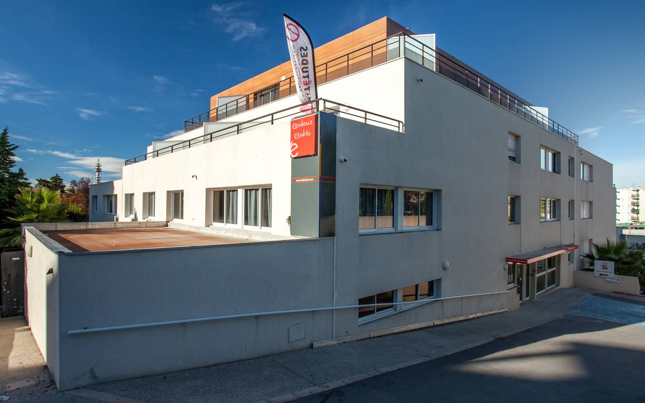 façade résidence location court séjour à Montpellier