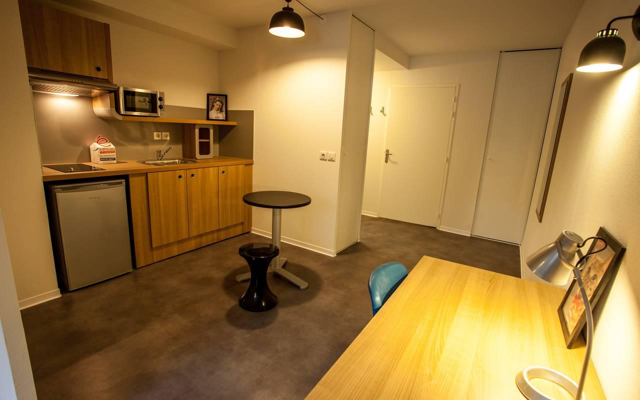 studio avec kitchenette location court séjour à Montpellier