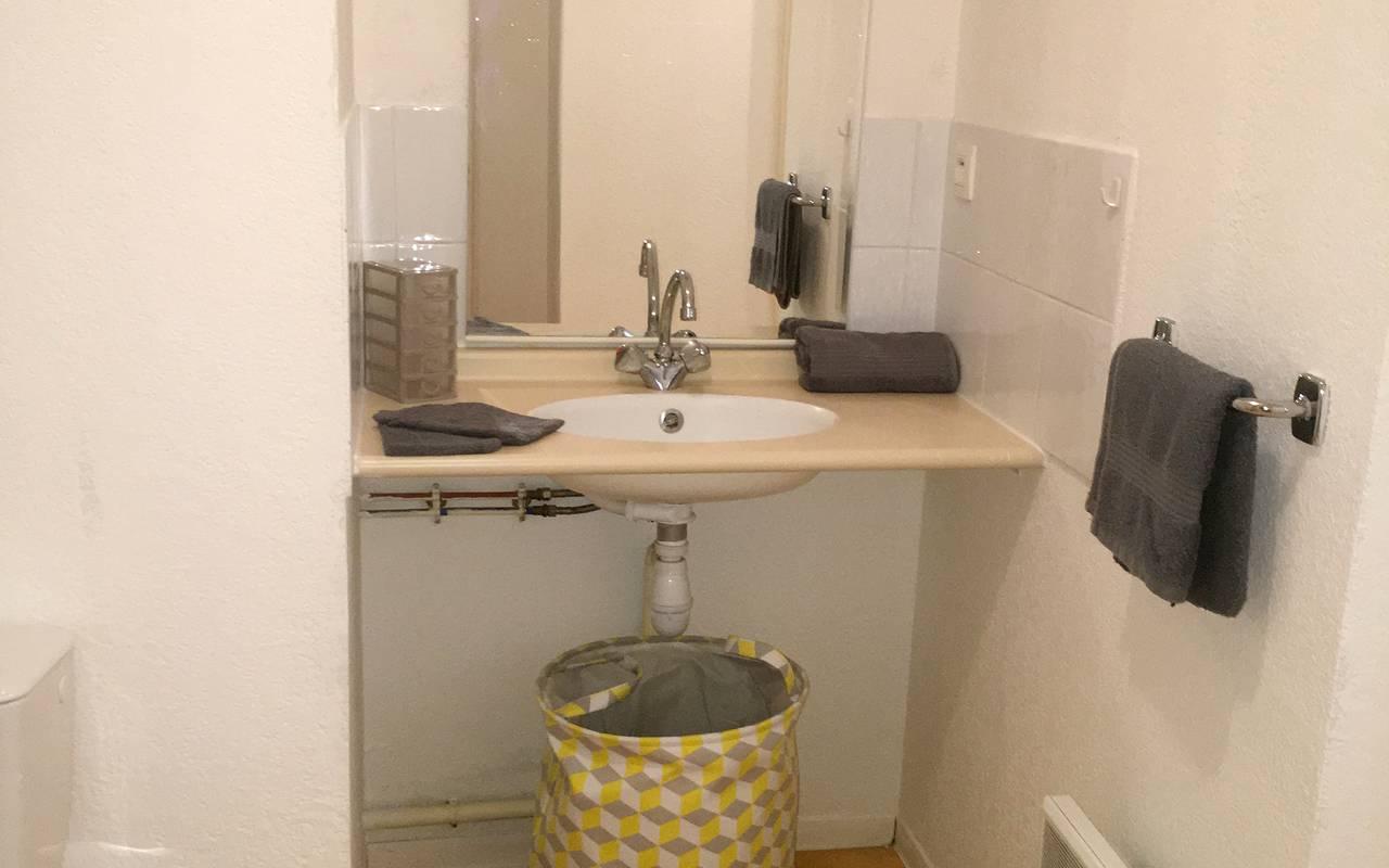 salle de bain studio location saisonnière à Montpellier