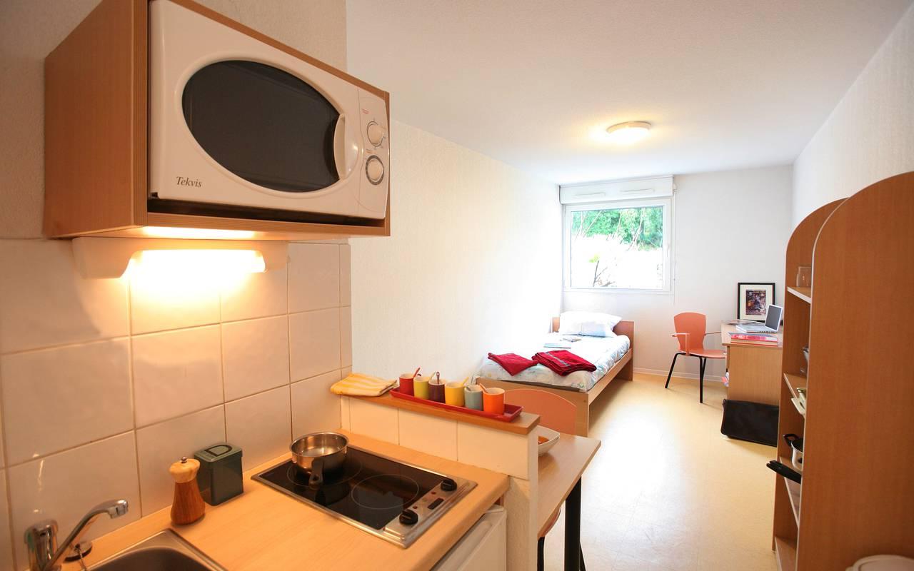 kitchenette studio location saisonnière à Montpellier