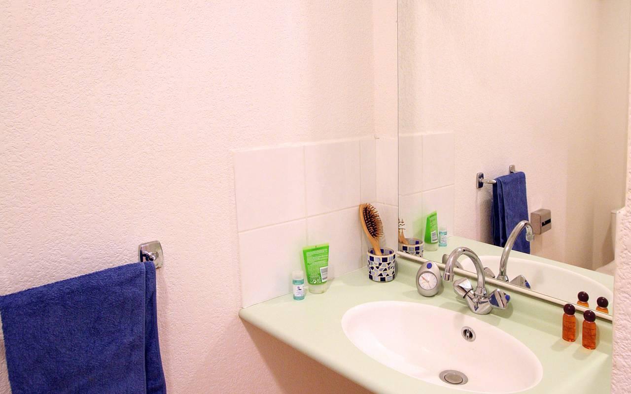 salle de bain studio location court séjour à Montpellier