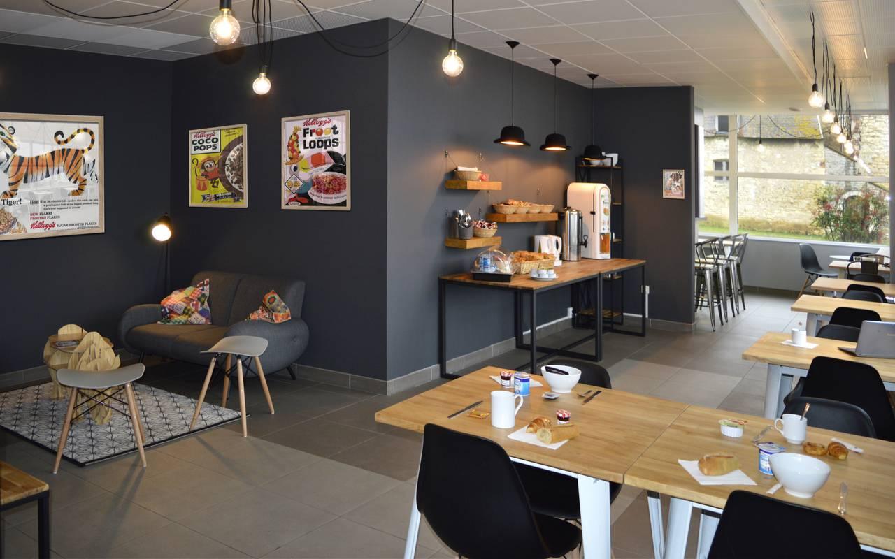 salle petit déjeuner résidence location court séjour à Nevers