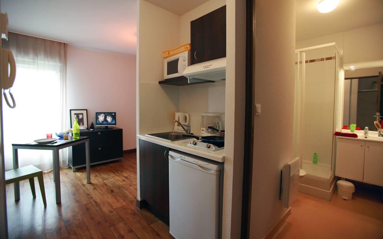 studio avec kitchenette location moyen séjour à Nevers