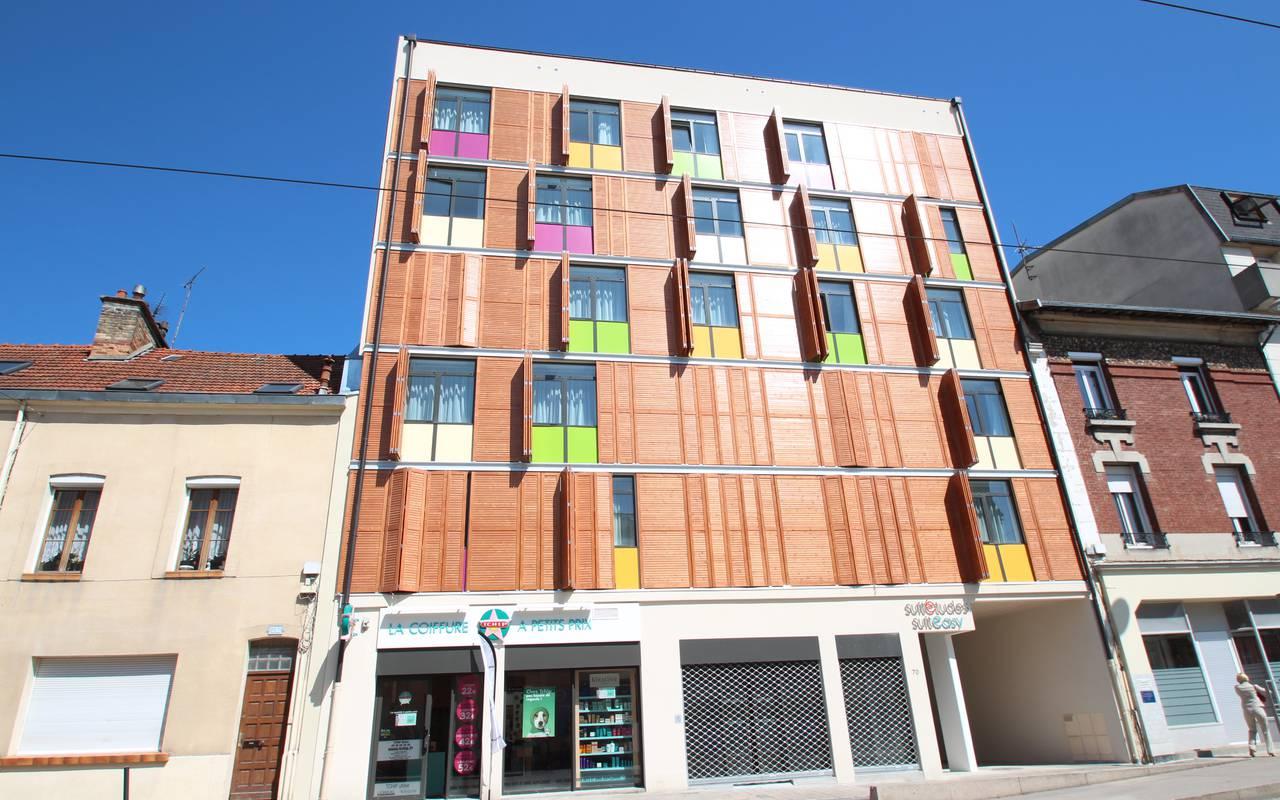façade résidence location court séjour à Reims
