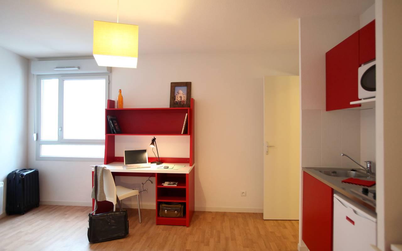studio avec coin bureau location moyen séjour à Villeurbanne