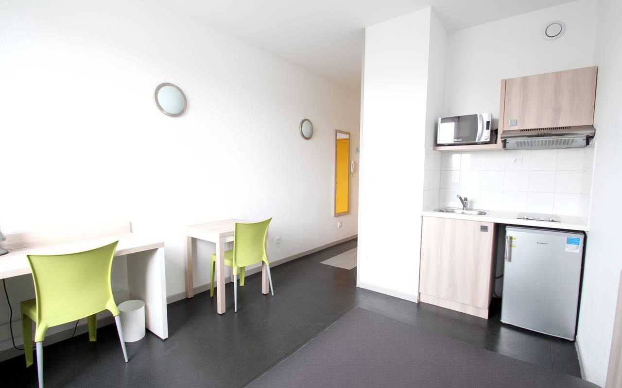 kitchenette studio location saisonnière à Lyon