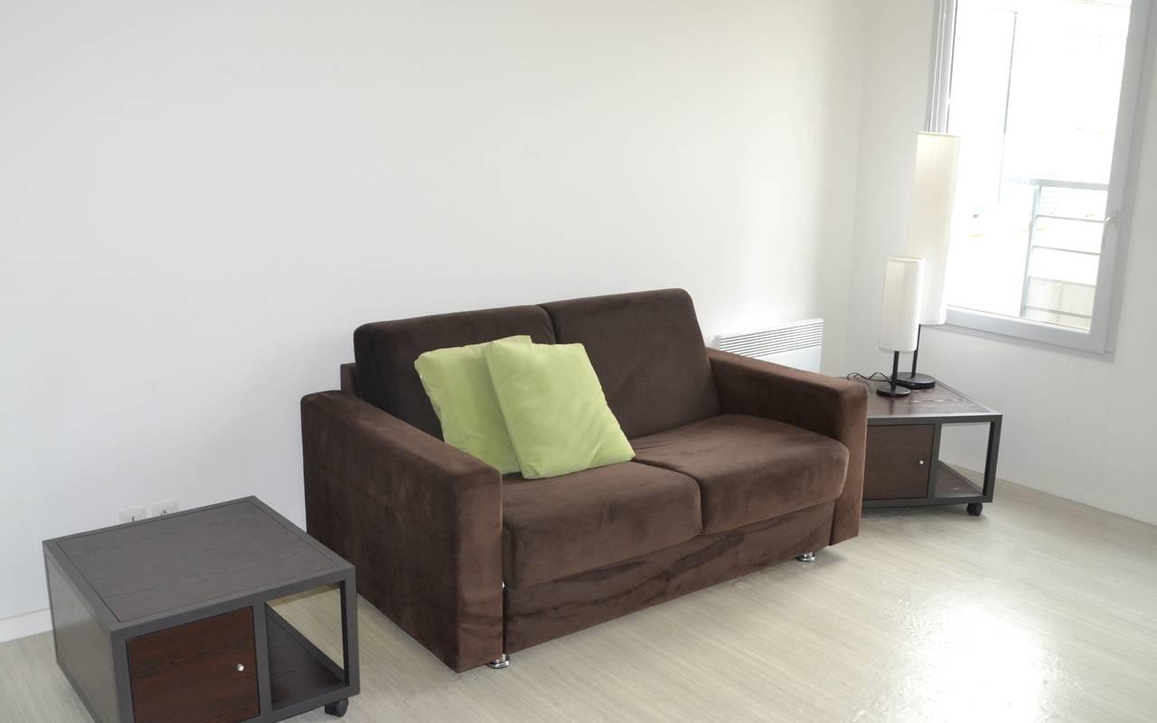 canapé lit studio location court séjour à Blois