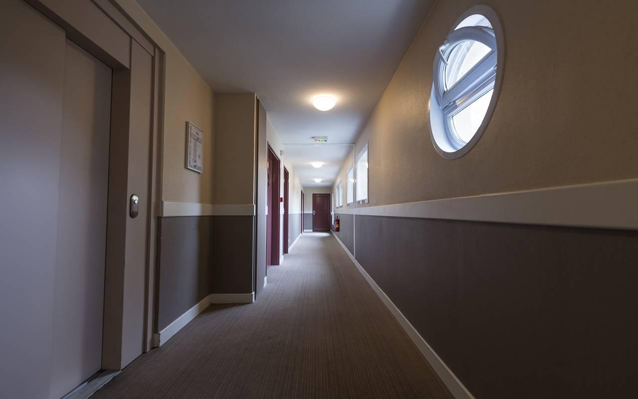 couloir résidence location séjour à Nevers