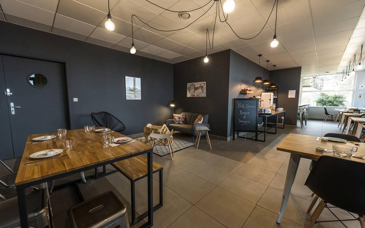 salle de petit déjeuner résidence location court séjour à Nevers