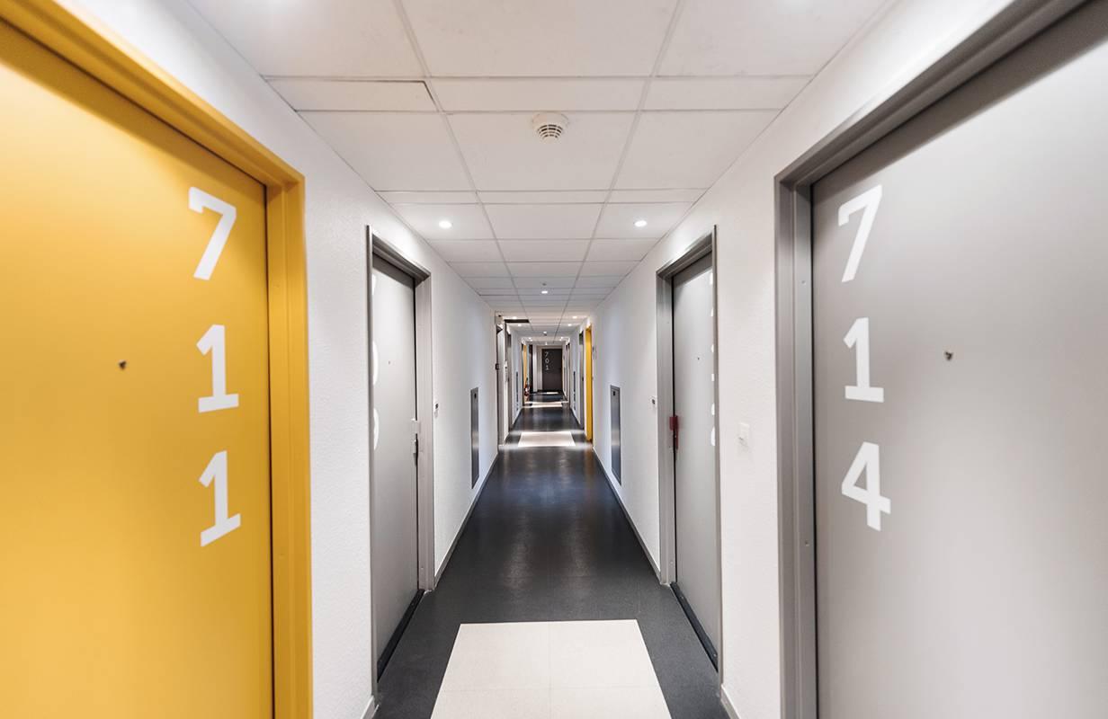 couloir résidence location moyen séjour à Lyon