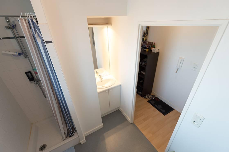 salle de bain studio location court séjour à Nantes