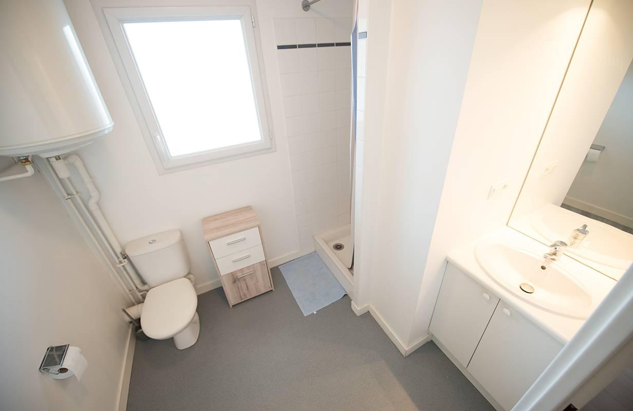 salle de bain location court séjour à Nantes