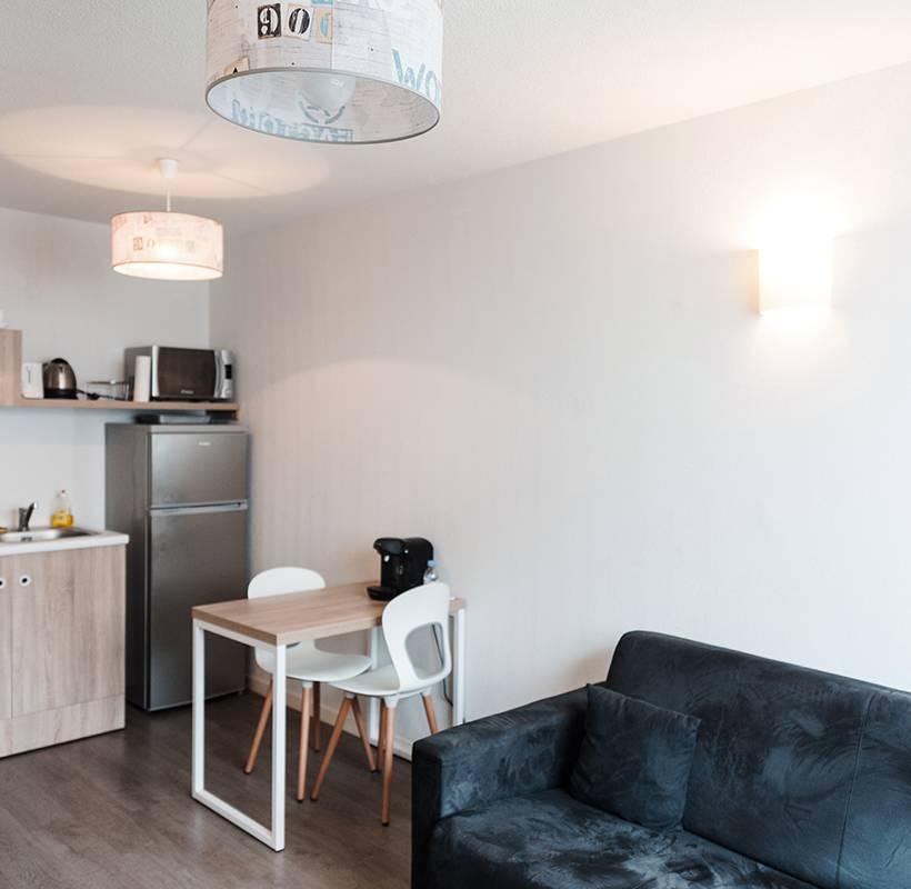 salon appartement location moyen séjour à La Rochelle