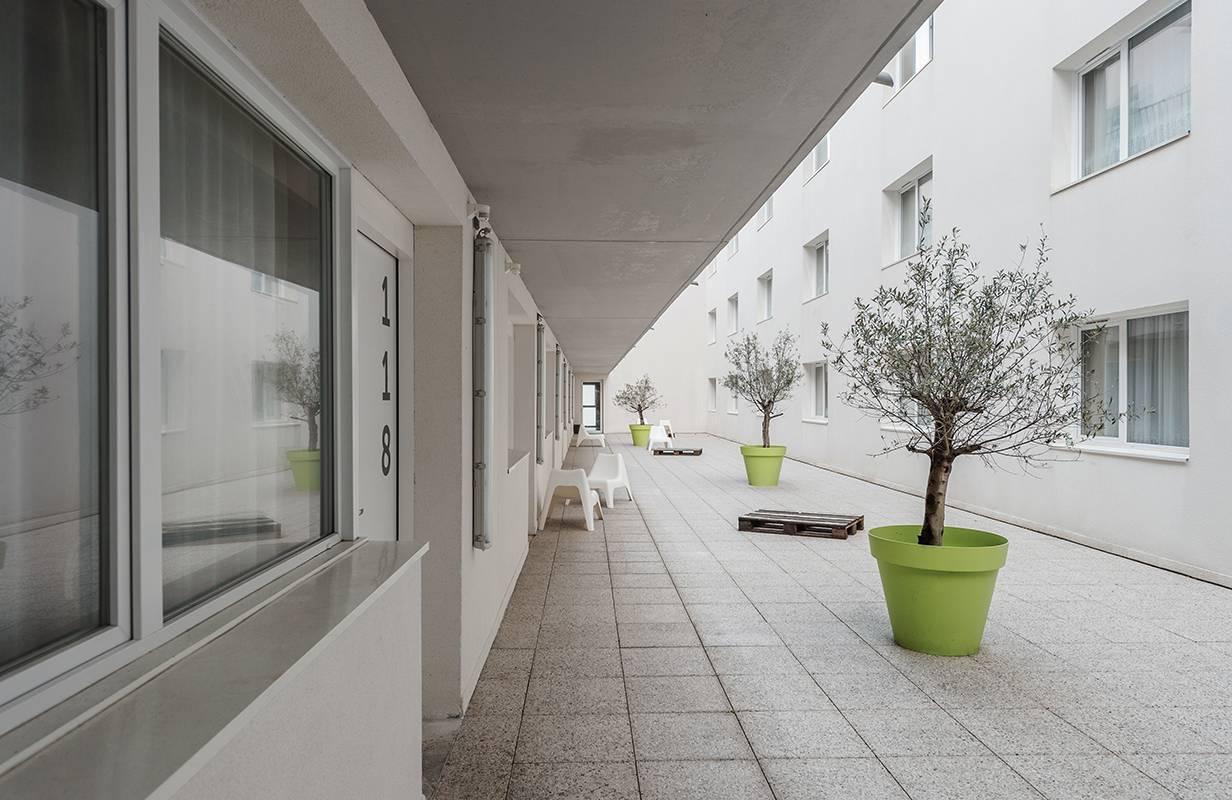patio résidence location séjour à La Rochelle