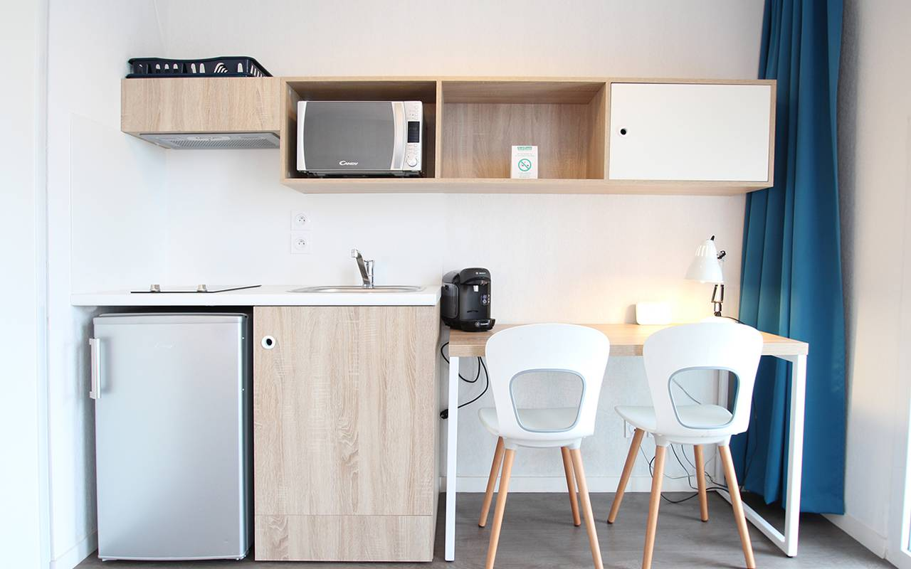 kitchenette appartement location court séjour à La Rochelle