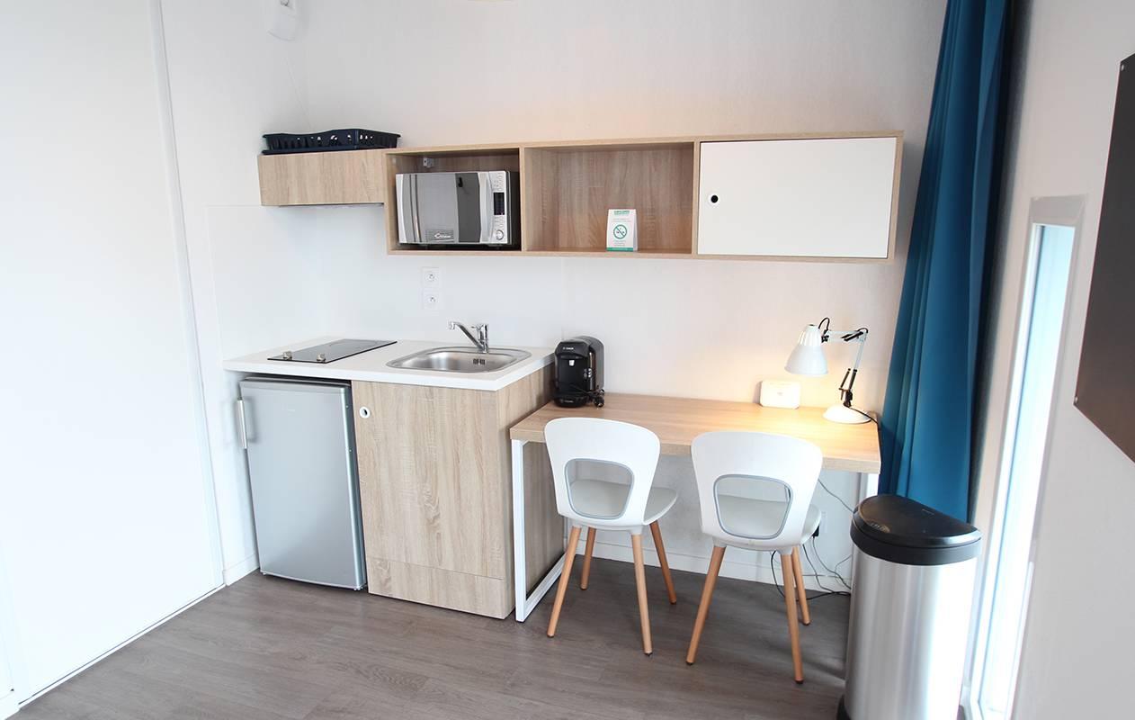 kitchenette appartement location moyen séjour à La Rochelle