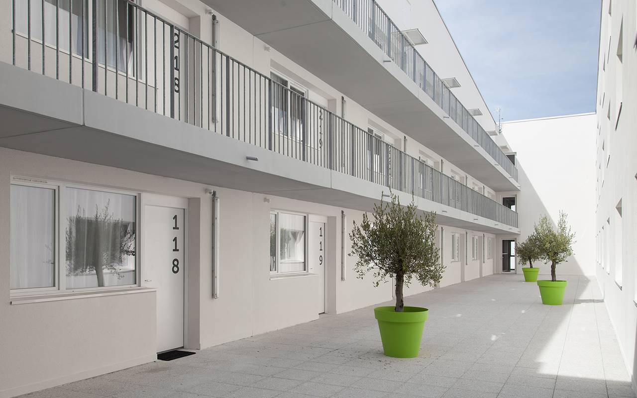 cour intérieure résidence location séjour à La Rochelle