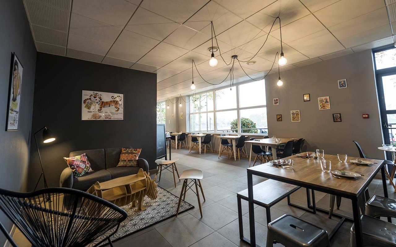 salle de petit déjeuner résidence location saisonnière à Nevers