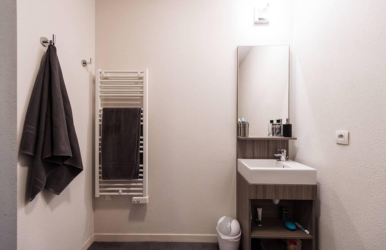 salle de bain studio location moyen séjour à Rouen