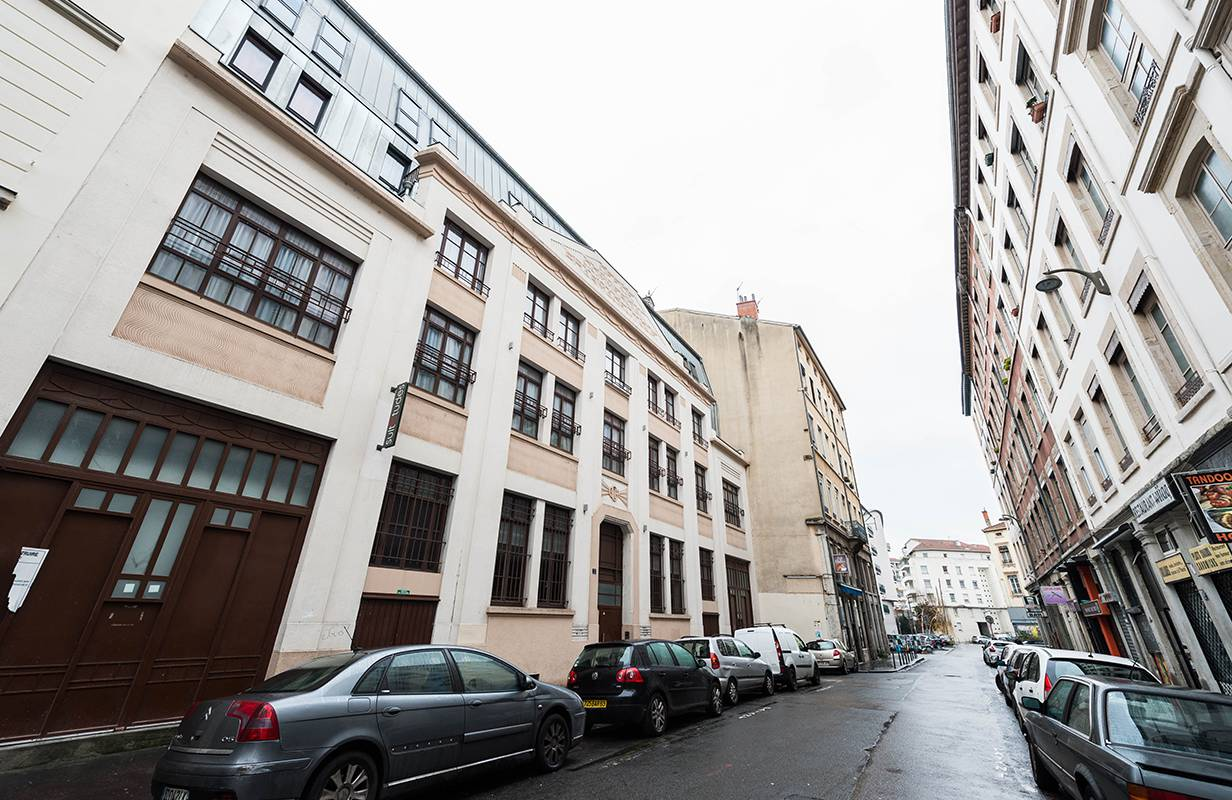 façade résidence location court séjour à Lyon