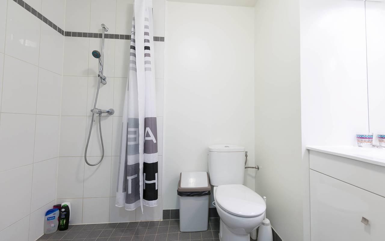 salle de bain appartement location court séjour à Reims