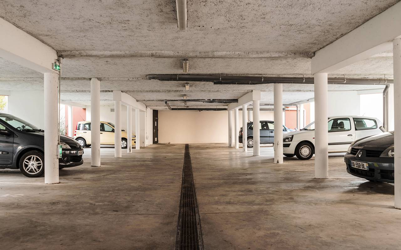 parking résidence location court séjour à Reims