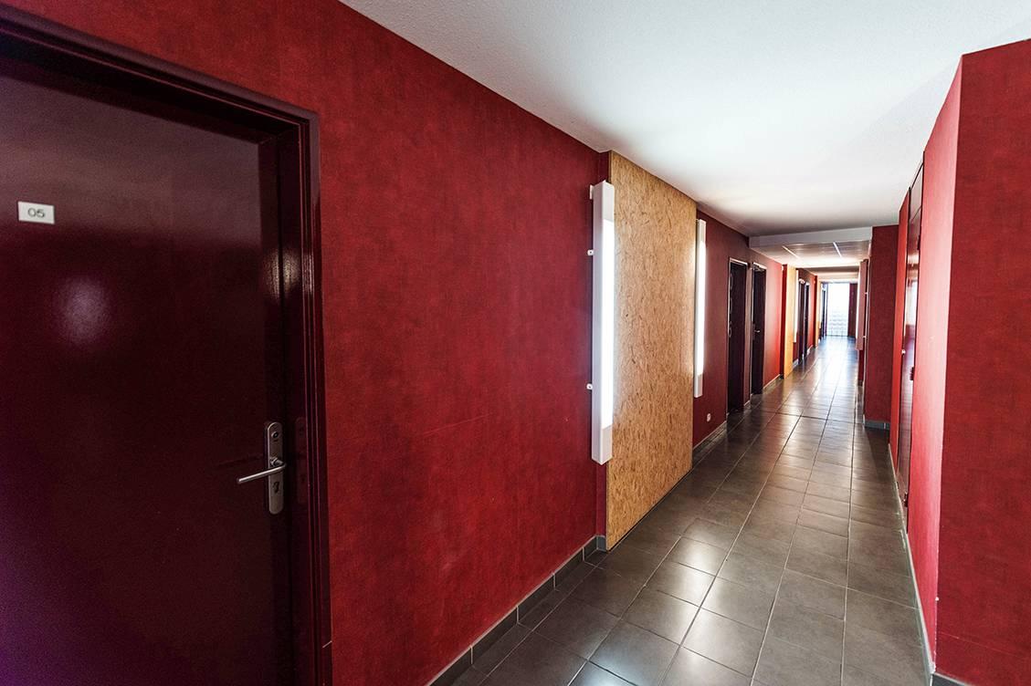 couloir résidence location court séjour à Toulouse