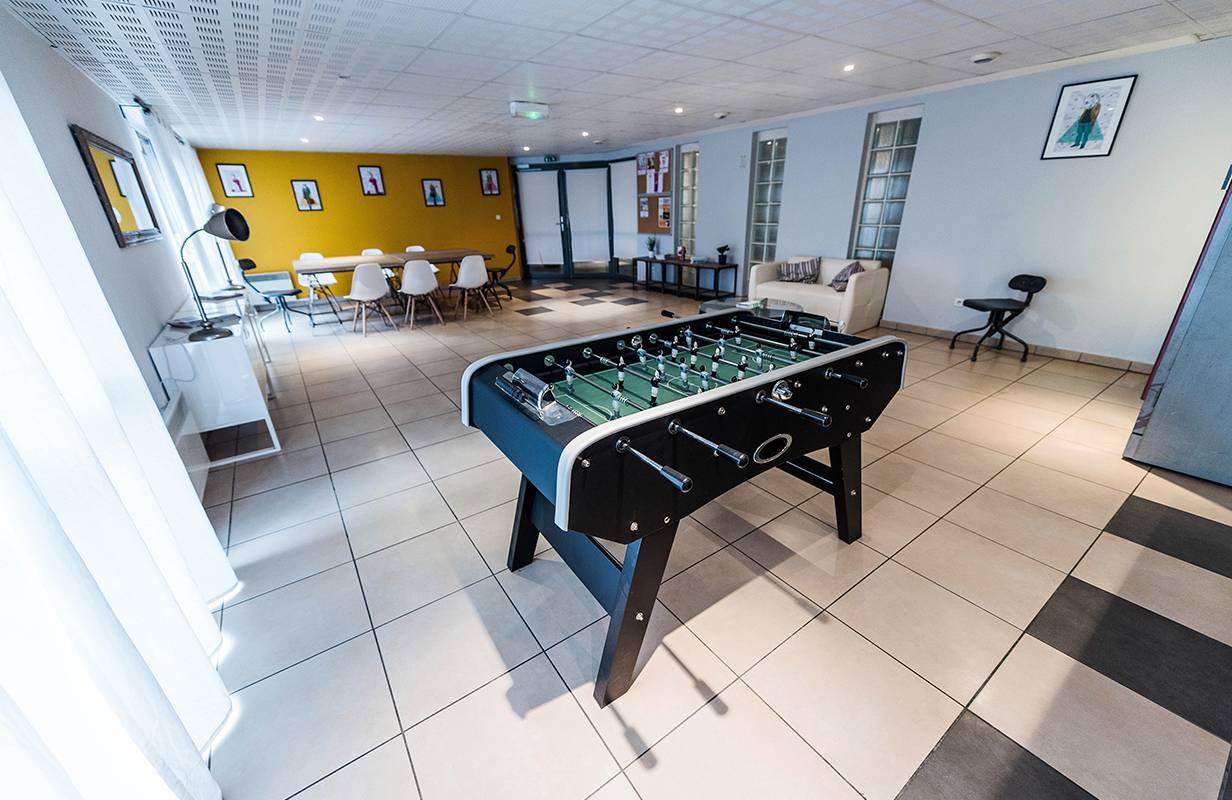 salle commune résidence location saisonnière à Toulouse